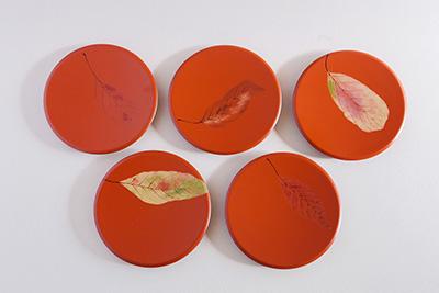 赤いお皿1