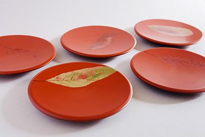赤いお皿2